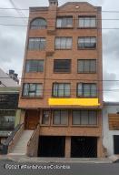 Apartamento En Ventaen Bogota, Chapinero Alto, Colombia, CO RAH: 21-1456