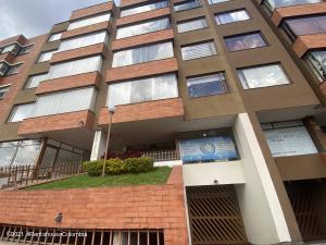 Local Comercial En Ventaen Bogota, Cedro Golf, Colombia, CO RAH: 21-1466