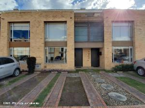 Casa En Ventaen Chia, La Balsa, Colombia, CO RAH: 21-1472