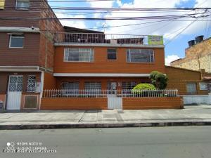 Casa En Ventaen Bogota, La Granja, Colombia, CO RAH: 21-1507