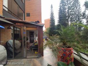 Apartamento En Ventaen Medellin, El Campestre, Colombia, CO RAH: 21-1516