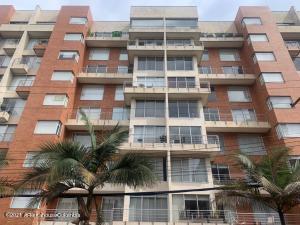 Apartamento En Ventaen Bogota, Chico, Colombia, CO RAH: 21-1543