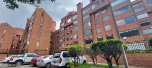 Apartamento En Ventaen Bogota, Club Los Lagartos, Colombia, CO RAH: 21-1550