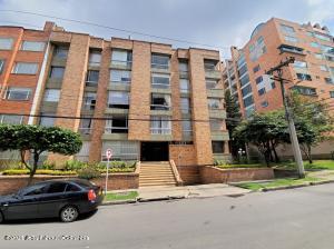 Apartamento En Ventaen Bogota, Santa Barbara Oriental, Colombia, CO RAH: 21-1557
