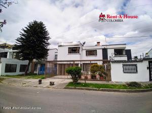 Casa En Ventaen Bogota, Modelia Occidental, Colombia, CO RAH: 21-959