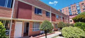 Casa En Arriendoen Bogota, Portales Del Norte, Colombia, CO RAH: 21-1402