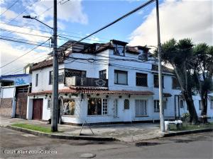 Casa En Arriendoen Bogota, Cedritos, Colombia, CO RAH: 21-1593