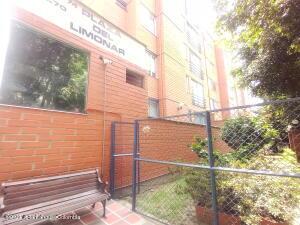 Apartamento En Ventaen Medellin, Los Colores, Colombia, CO RAH: 21-1576