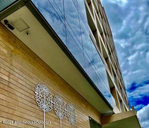 Apartamento En Ventaen Bogota, Chico Reservado, Colombia, CO RAH: 21-1580