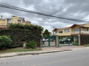 Casa En Ventaen Chia, La Balsa, Colombia, CO RAH: 21-1581