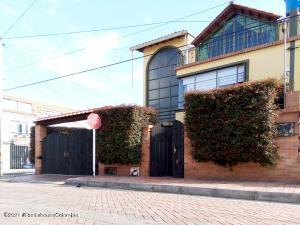 Casa En Ventaen Cota, Vereda El Abra, Colombia, CO RAH: 21-1585