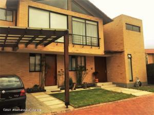 Casa En Arriendoen Cajica, Vereda Calahorra, Colombia, CO RAH: 21-1603
