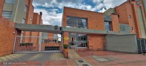 Casa En Ventaen Bogota, La Alameda, Colombia, CO RAH: 21-1619
