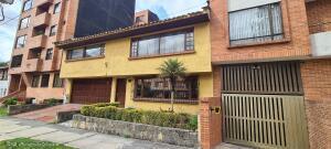 Casa En Ventaen Bogota, Santa Ana Usaquen, Colombia, CO RAH: 21-1644