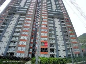 Apartamento En Ventaen Medellin, La Loma De Los Bernal, Colombia, CO RAH: 21-1655