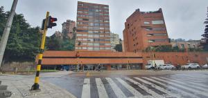 Apartamento En Arriendoen Bogota, La Cabrera, Colombia, CO RAH: 21-1665