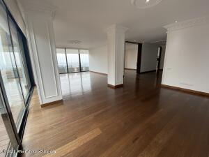 Apartamento En Arriendoen Bogota, El Retiro, Colombia, CO RAH: 21-1678
