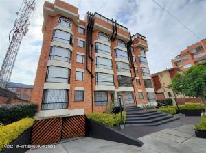 Apartamento En Ventaen Bogota, Cedritos, Colombia, CO RAH: 21-1680