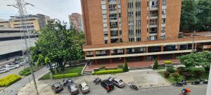 Local Comercial En Ventaen Medellin, Suramerica, Colombia, CO RAH: 21-1683