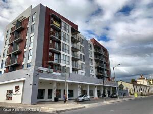 Apartamento En Arriendoen Cajica, Vereda Canelon, Colombia, CO RAH: 21-1688