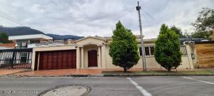 Casa En Ventaen Bogota, Santa Barbara Alta, Colombia, CO RAH: 21-1713