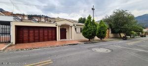Casa En Arriendoen Bogota, Santa Barbara Alta, Colombia, CO RAH: 21-1714