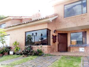 Casa En Ventaen Chia, Sabana Centro, Colombia, CO RAH: 21-1720