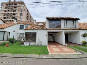 Casa En Ventaen Bogota, Cedritos, Colombia, CO RAH: 21-1756