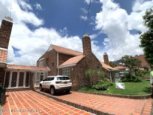 Casa En Ventaen Bogota, Nuevo Country, Colombia, CO RAH: 21-1750
