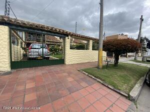 Casa En Ventaen Bogota, Colina Campestre, Colombia, CO RAH: 21-967