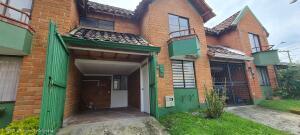 Casa En Ventaen Rio Negro, Fontibon, Colombia, CO RAH: 21-1761