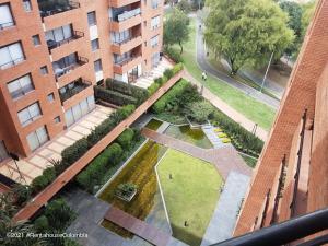 Apartamento En Arriendoen Bogota, Santa Ana Occidental, Colombia, CO RAH: 21-1781