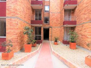 Apartamento En Ventaen Madrid, La Virgen, Colombia, CO RAH: 21-1843