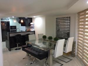 Apartamento En Ventaen Bogota, Chico, Colombia, CO RAH: 21-1803
