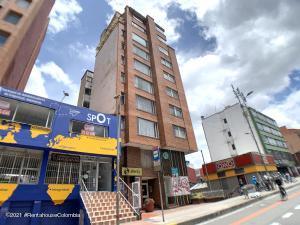 Apartamento En Arriendoen Bogota, Chapinero Central, Colombia, CO RAH: 21-1815