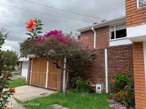 Casa En Ventaen Bogota, Niza, Colombia, CO RAH: 21-1827