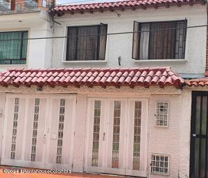 Casa En Ventaen Bogota, La Alborada, Colombia, CO RAH: 21-1801