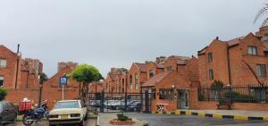 Casa En Ventaen Bogota, Portales Del Norte, Colombia, CO RAH: 21-1833