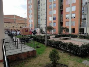 Apartamento En Ventaen Bogota, Castilla, Colombia, CO RAH: 21-1836