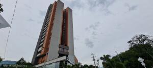 Apartamento En Ventaen Medellin, Carlos E Restrepo, Colombia, CO RAH: 21-1844