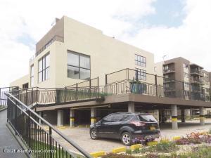 Apartamento En Ventaen Cajica, Vereda Chuntame, Colombia, CO RAH: 21-1848