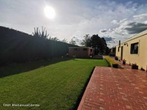 Casa En Arriendoen Mosquera, Serrezuela, Colombia, CO RAH: 21-1854