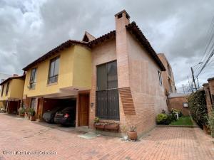 Casa En Ventaen Chia, La Balsa, Colombia, CO RAH: 21-1856