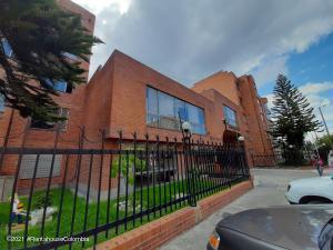 Apartamento En Ventaen Bogota, Mazuren, Colombia, CO RAH: 21-1888