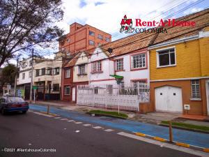Casa En Ventaen Bogota, San Luis, Colombia, CO RAH: 21-1895