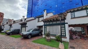 Casa En Ventaen Bogota, Cedritos, Colombia, CO RAH: 21-1915