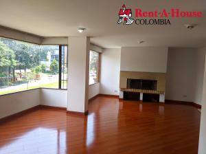 Apartamento En Arriendoen Bogota, Santa Bárbara, Colombia, CO RAH: 21-1965