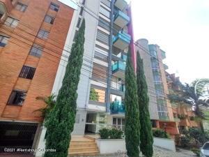 Apartamento En Ventaen Medellin, Laureles, Colombia, CO RAH: 21-2009