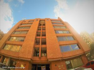 Apartamento En Ventaen Bogota, La Calleja, Colombia, CO RAH: 21-1987