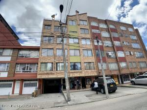Apartamento En Ventaen Bogota, Quinta Paredes, Colombia, CO RAH: 21-2007